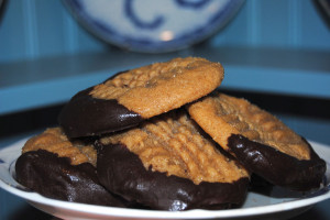 Holiday cookies in four ingredients